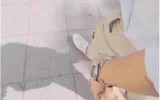 Ngô Thanh Vân khoe ảnh tay trong tay với tình trẻ Huy Trần trên đường phố Na Uy