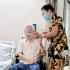 Bố của ca sĩ Thu Phương qua đời, dàn sao Việt gửi lời thương tiếc